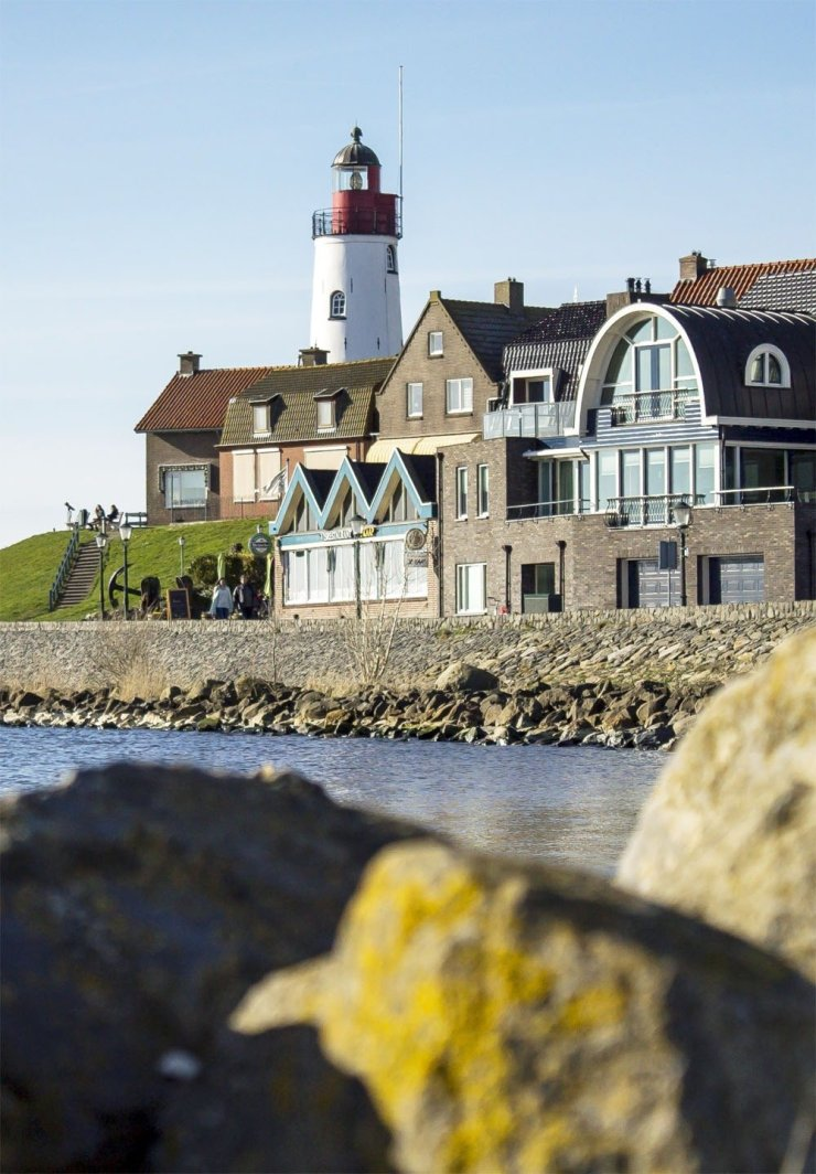 Urk is a small seafaring and fishing town in Flevoland, a great stopover on your drive from Amsterdam to Giethoorn