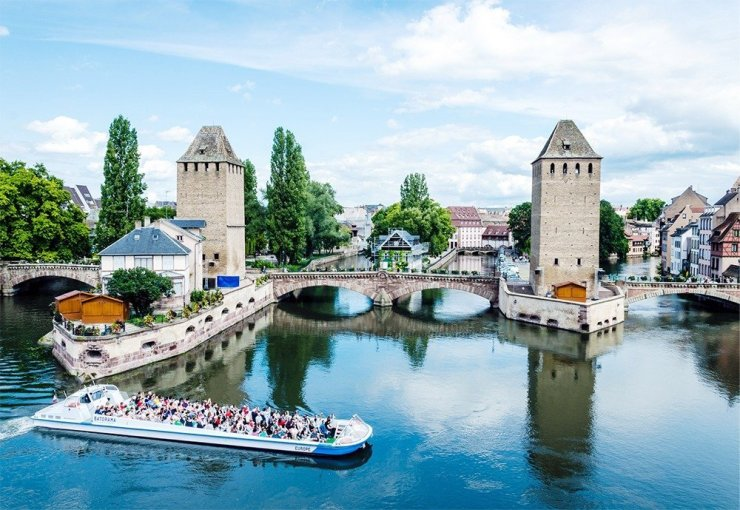 Best things to do in Strasbourg – get great views of Strasbourg's Petite France from the Barrage Vauban.