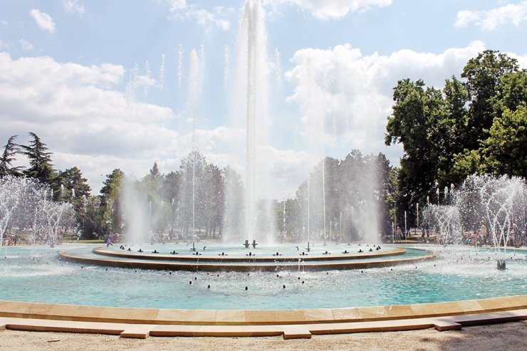 Where to stay in budapest hungary best neighborhoods - Margaret island budapest swimming pool ...