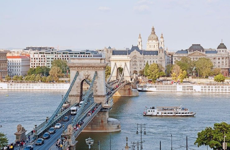 See the city's most beautiful landmarks in the 3-day itinerary and travel guide to Budapest, Hungary.