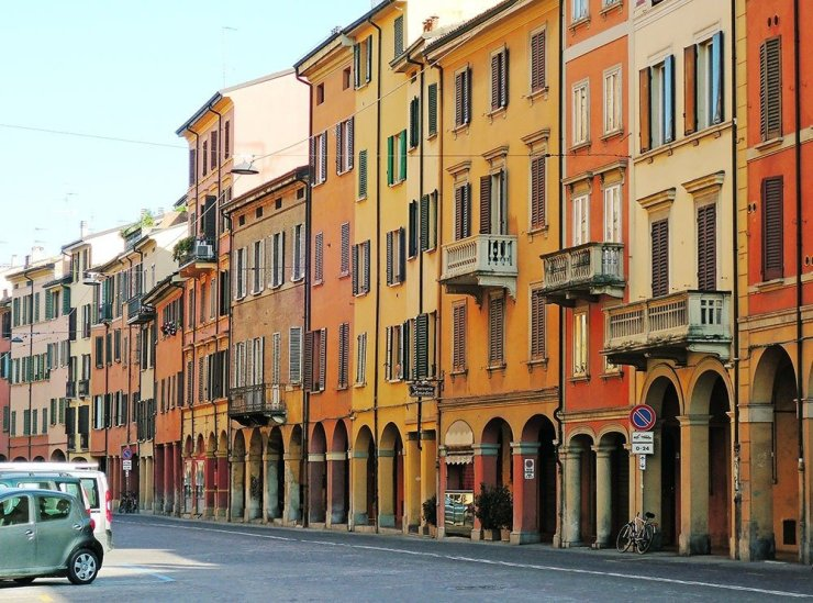 Rain or shine, you can walk around Bologna underneath the porticoes. Plan your trip with this guide to Bologna's best hotels and districts.
