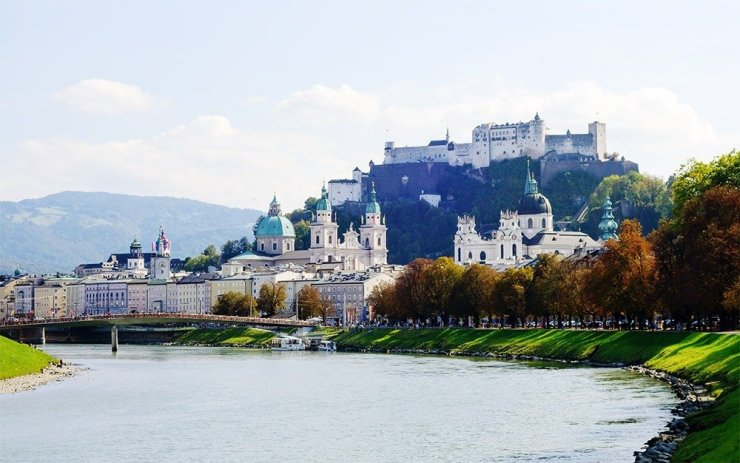 Salzburg's Old Town is a gorgeous, beautifully-preserved UNESCO World Heritage site packed with cultural and architectural gems, historical museums, and delightful squares. Explore Salzburg and Salzkammergut comfortably and in style with this travel guide.