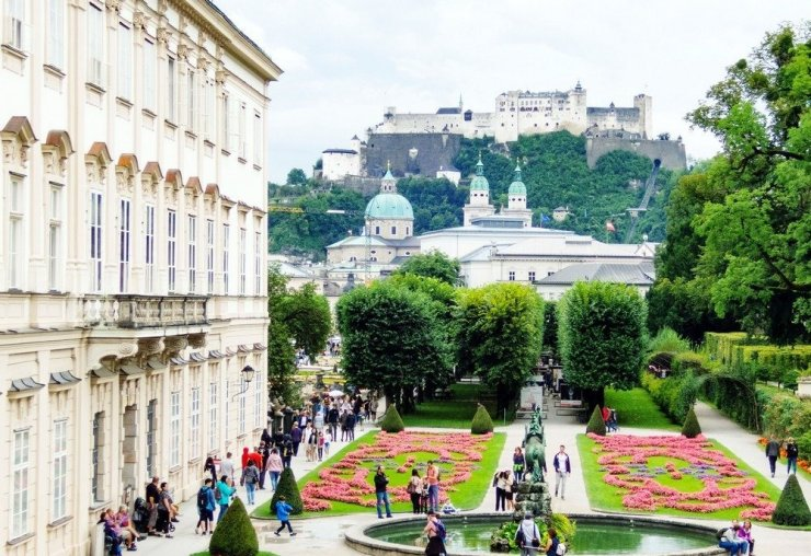 3 days in Salzburg - One of Salzburg's highlights is the beautiful and sprawling Mirabell Palace and Gardens. Start your little holiday with an early morning visit to the palace – the earlier, the better you can avoid the crowds and enjoy the beautiful views from the garden.