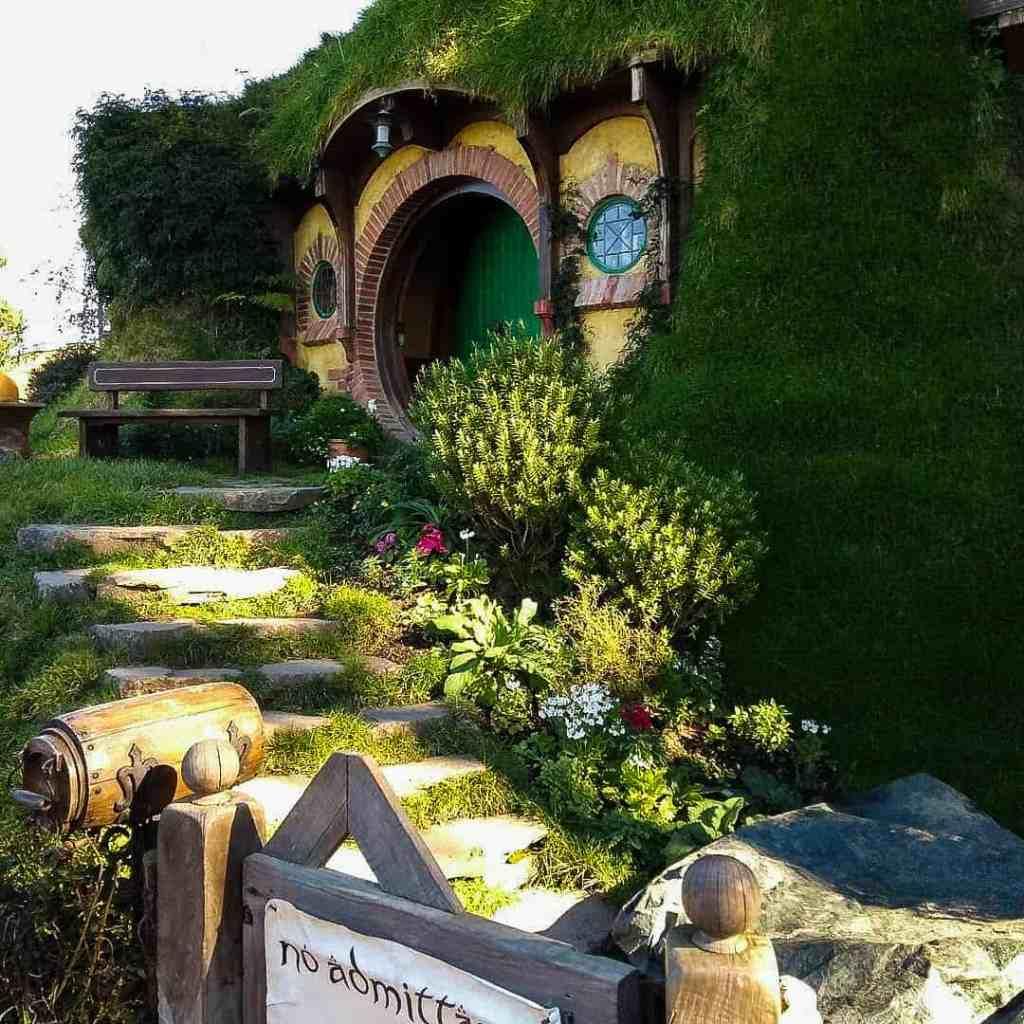 no admittance hobbit hole