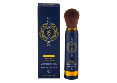 Product image of Brush On Block sunscreen powder and its cardboard box.