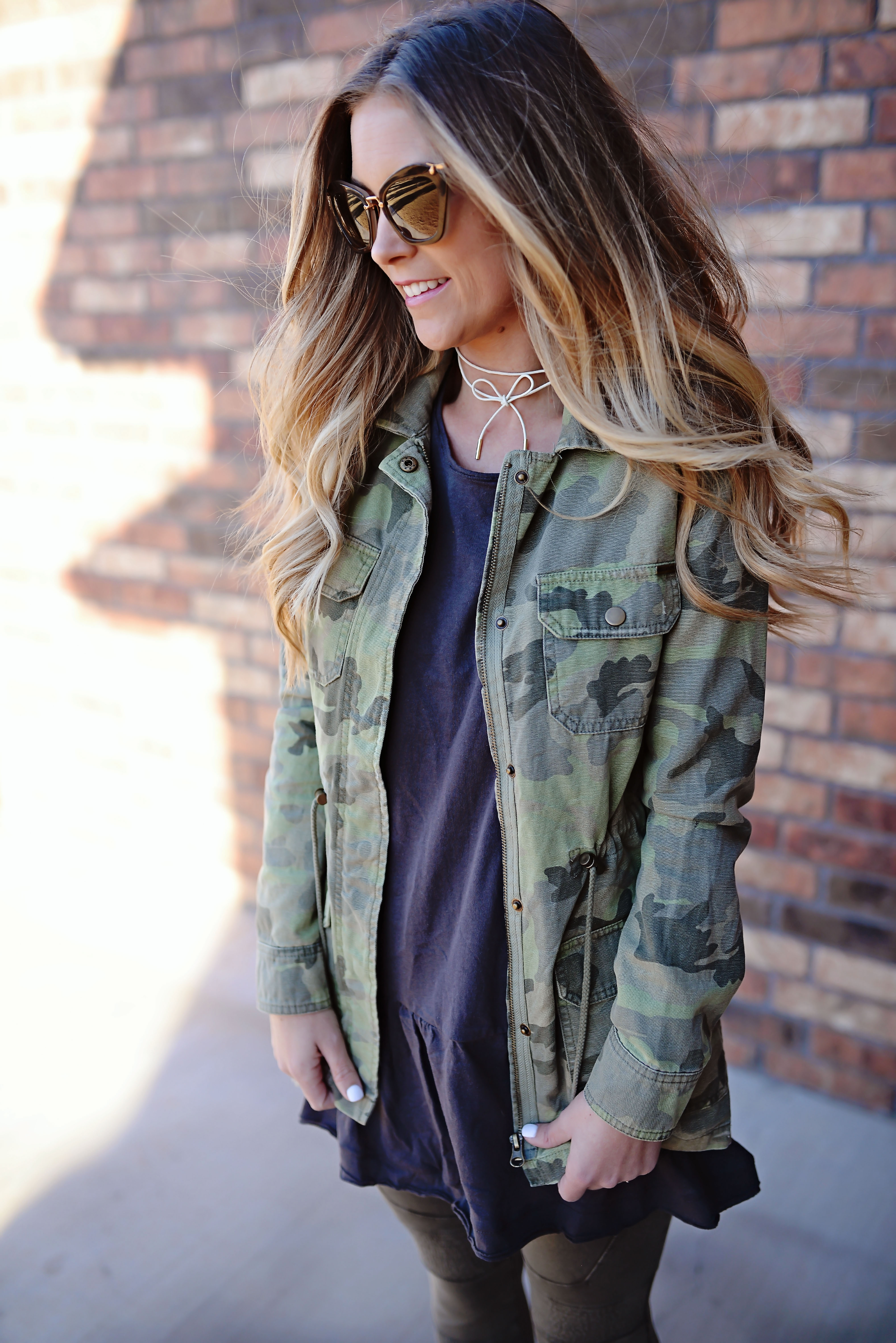 camo outfit | easy momiform | comfortable spring outfit | camo jacket | free people | nordstrom | trunk club | best leggings