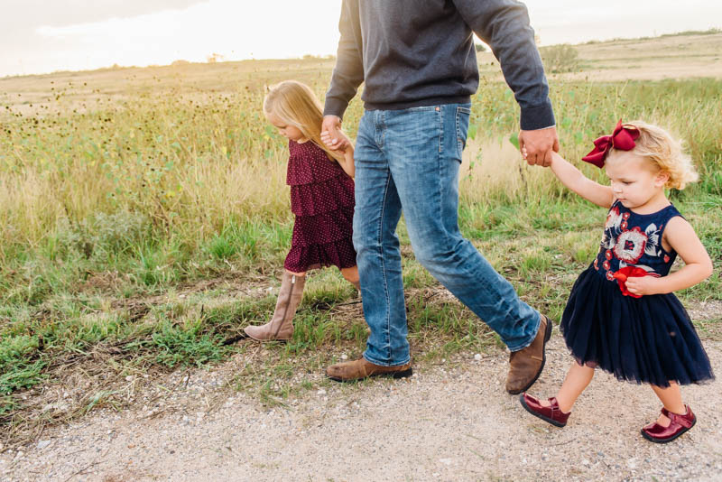 What to Wear for Family Photos in the Fall