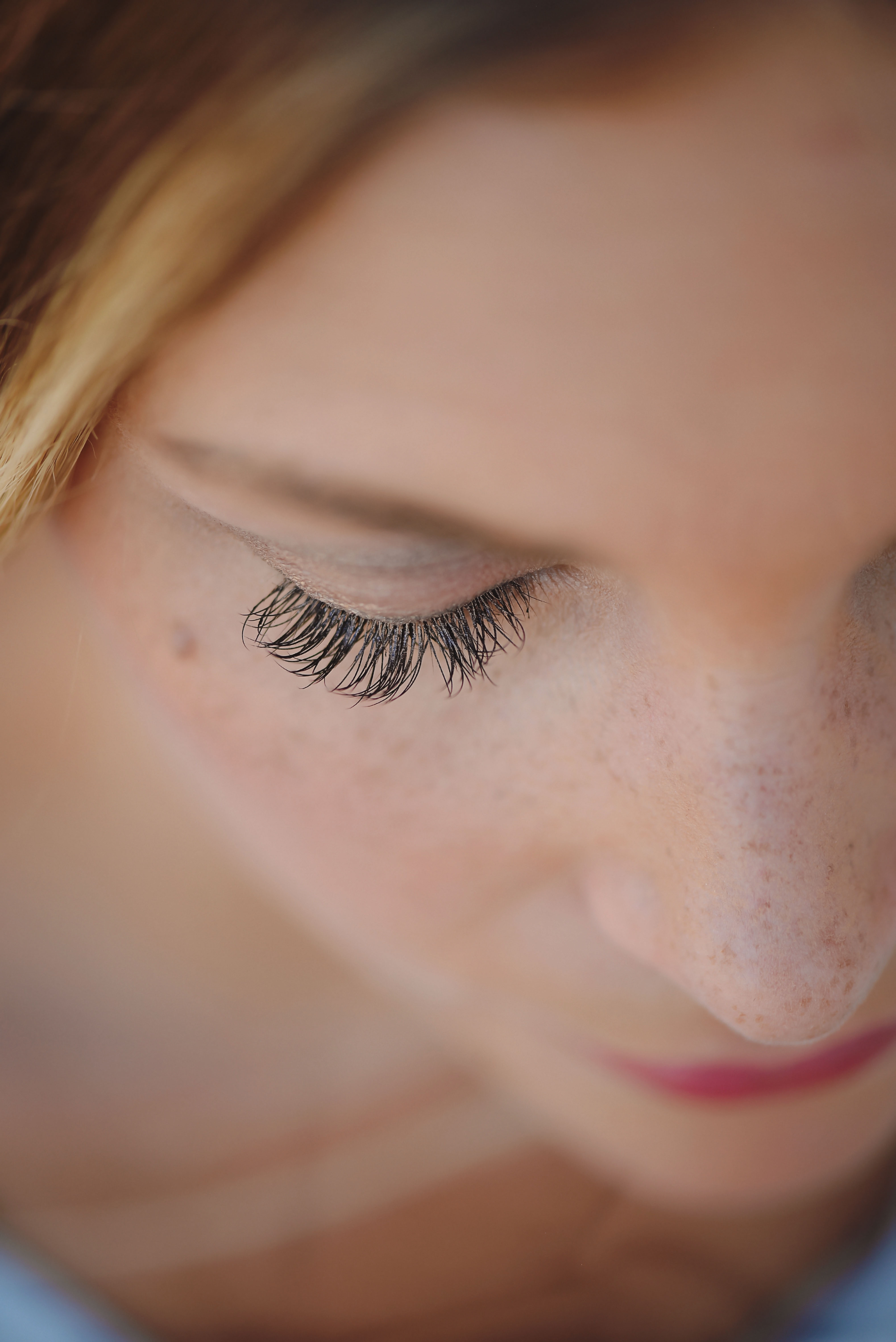 5 Tips for Getting and Keeping Eyelash Extensions - Little ...