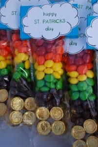 Gold at the end of the rainbow. St Patricks Day Crafts littlemissblog.com