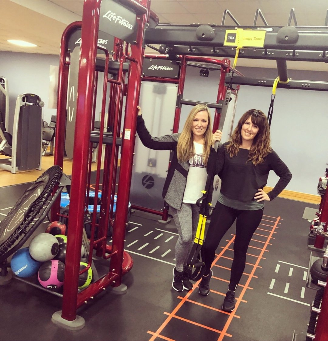 two girls in the gym, workout buddies, training partners, 10 tips for gym motivation