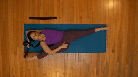 how to quickly stretch for splits for beginners  little