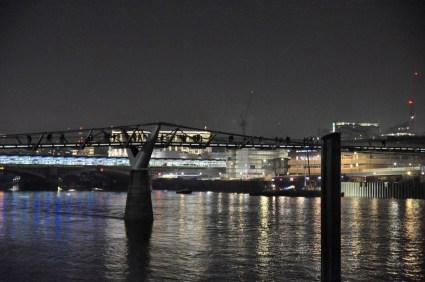 Millennium Bridge by night