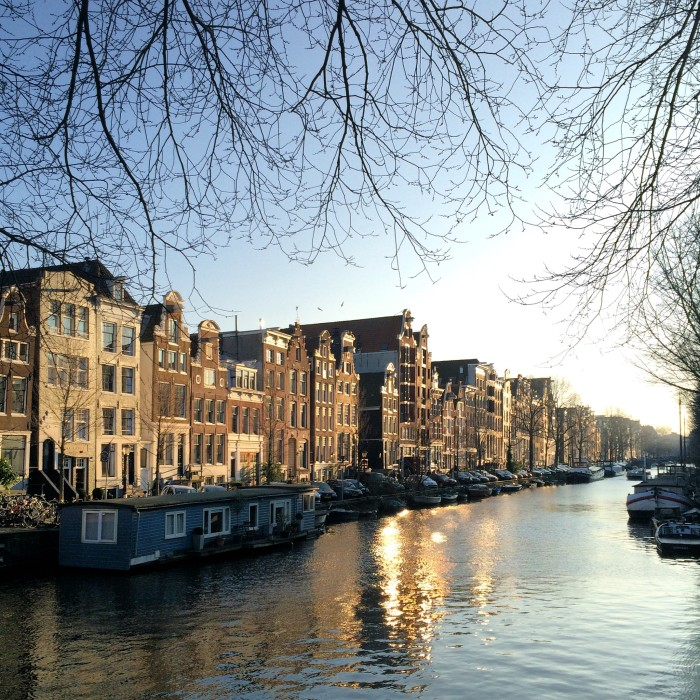 Amsterdam canal view1