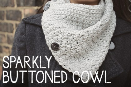 Sparkly Buttoned Cowl  |  a free crochet pattern by Little Monkeys Crochet