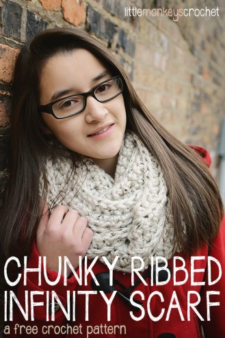 Chunky Ribbed Infinity Scarf | a free crochet pattern by Little Monkeys Crochet