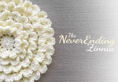 The NeverEnding Zinnia Crochet Pattern  |  Free Flower Crochet Pattern by Little Monkeys Crochet (www.littlemonkeyscrochet.com)