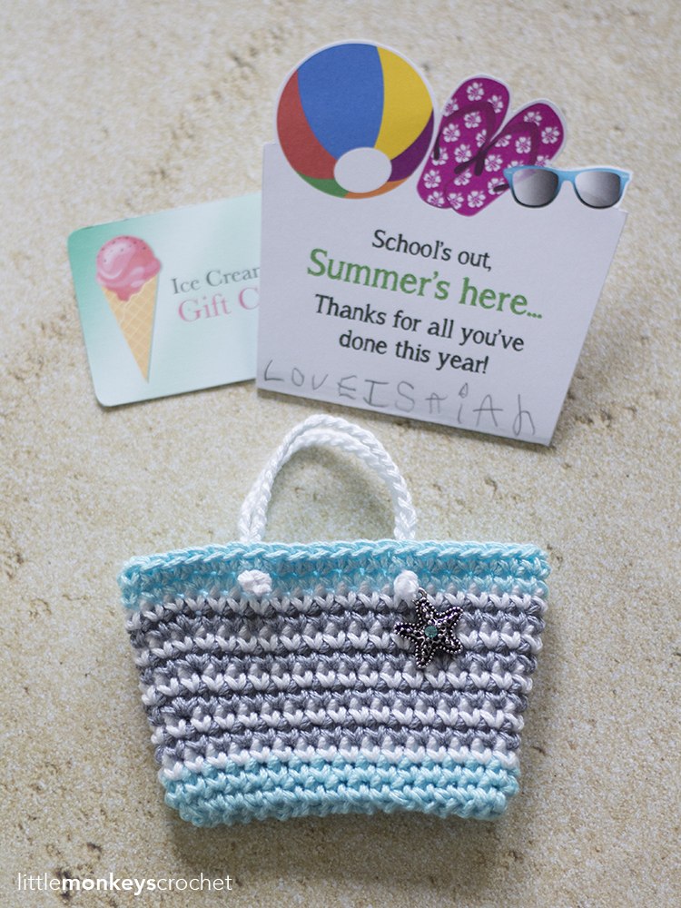 Mini beach bag gift card holder little monkeys crochet summers here thanks for all youve done this year on the printable but dont worry if you love the gift card holder but dont have any solutioingenieria Choice Image