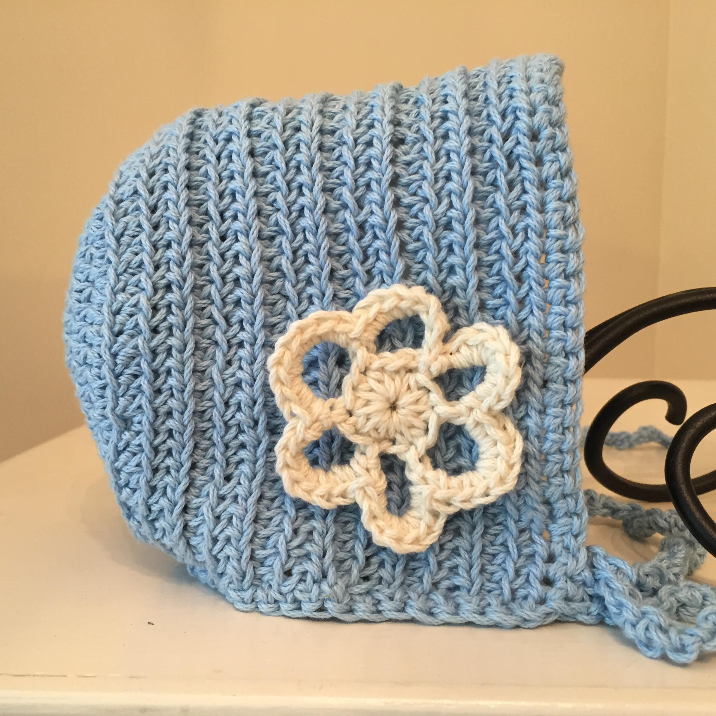 Crochet Pattern  Ribbed Vintage Baby Bonnet with Flower