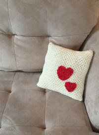 Crochet Pattern - Pillow with Hearts - Little Monkey's Designs