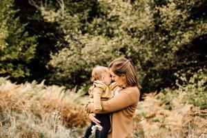 photographe chambery grenoble seance photo famille a la maison little one atelier eugenie hennebicq photographe bebe_0035