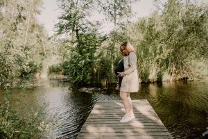 photographe grossesse grenoble chambery femme enceinte coucher soleil champs ble photo maternite_0019