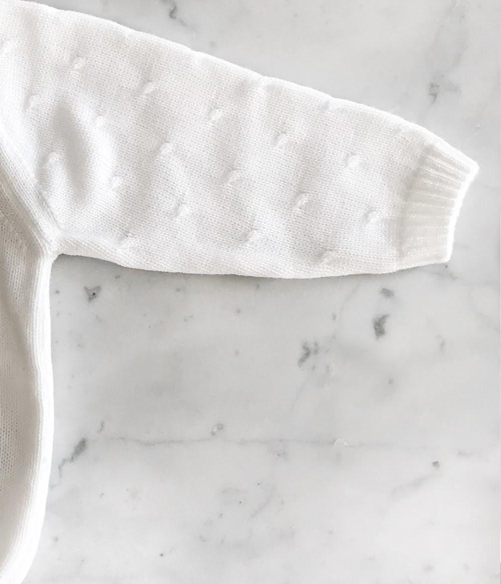 saquito-tejido-regalo-nacimiento-ajuar-bebe