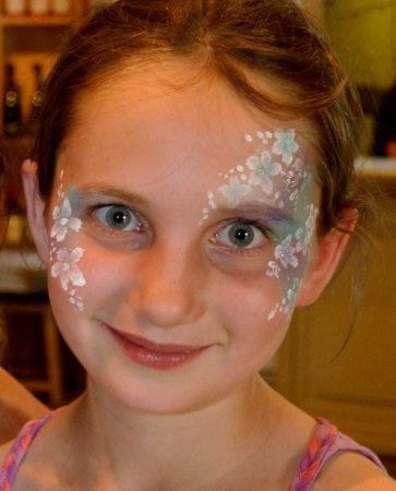 Easy Flower Face Paint : flower, paint, Flowers,, Princess, Girls, Painting, Ideas, Paints, Brushes