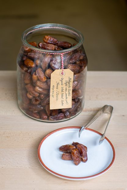 whole pitted dates organic amsterdam