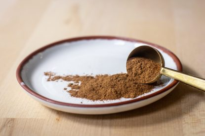 Organic ground ceylon cinnamon.