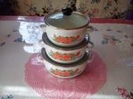 vintage roses enamel saucepan set 99p per piece!