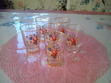 vintage rose glasses 10p each!