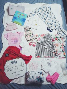 hospital bag-packing for baby number two-second child- newborn-giving birth-in labor-hospital stay