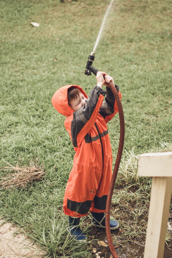 oaki wear rain suit and rain boots for kids