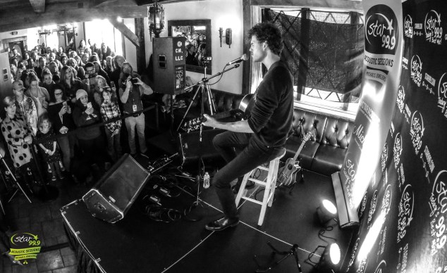 Vance Joy Live at Little Pub