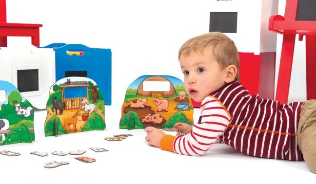 2-482-children-playing-farmyard-friends-1373-standard