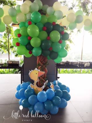 balloon-column-tree-decorations