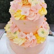 floral-theme-customised-cake