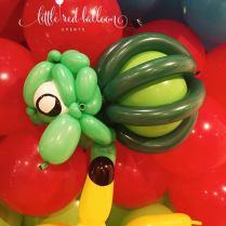bulbasaur-balloon-sculpture