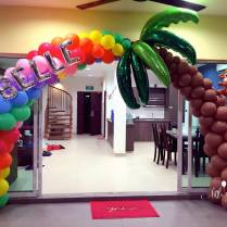 hawaii-theme-coconut-balloon-arch