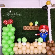 mario-theme-balloon-photo-booth