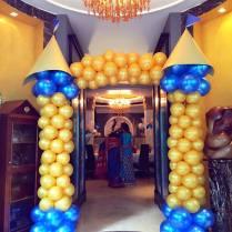 royal-prince-balloon-pillars