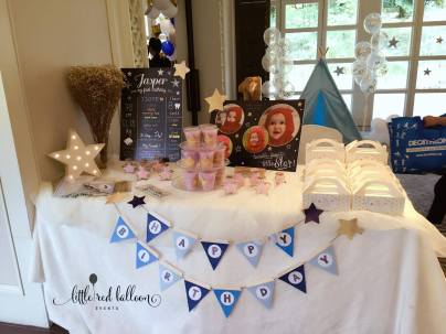welcome-table-with-goodie-boxes