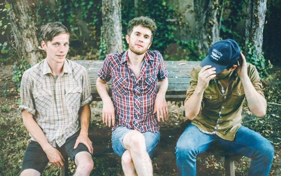 'Through Frames': Lorain Explores the Edges of Loneliness | Vortex Music Magazine