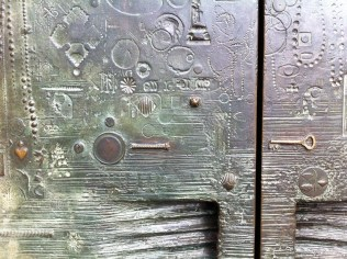 Close up of the detail on the door!