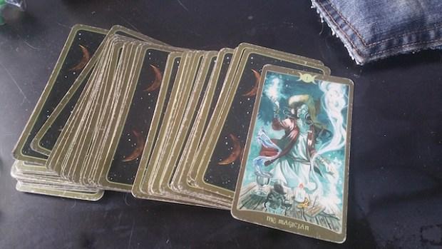 quering-the-tarot-magician-2