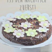 {Happy Birthday Little Red Temptations!} Dazu ein Give Away und perfekte Schokoladenbrownies
