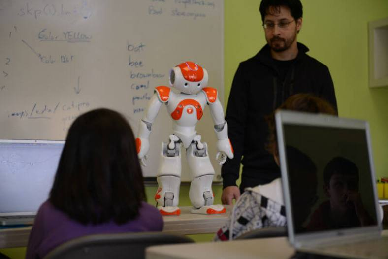 Robots beingused to teach kids