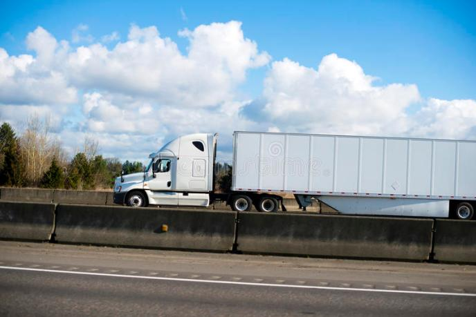 US Trailer Rental Sales Lease and Storage Buys Rents and Repairs All Commercial Trailers Reefers Flatbeds and Dry Vans image_20171206_043907_317