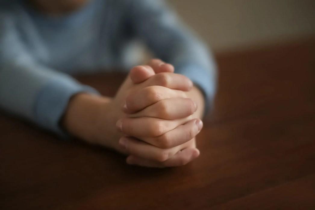 praying at table