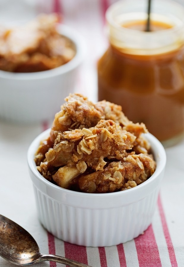 Caramel Apple Breakfast Crumb Cake